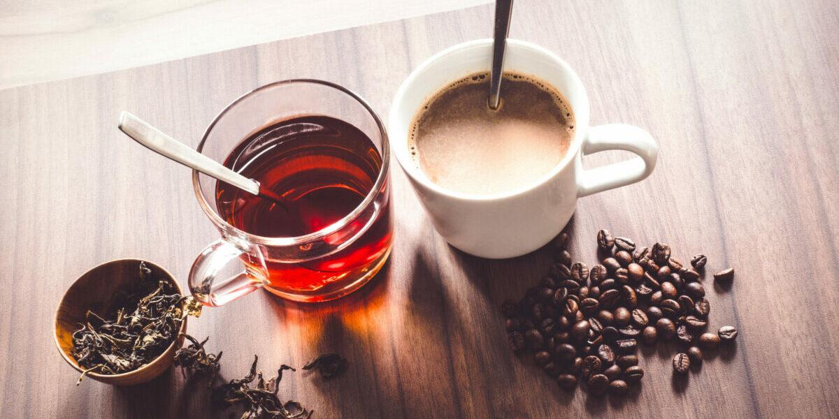 Feiten en fabels over koffie en thee