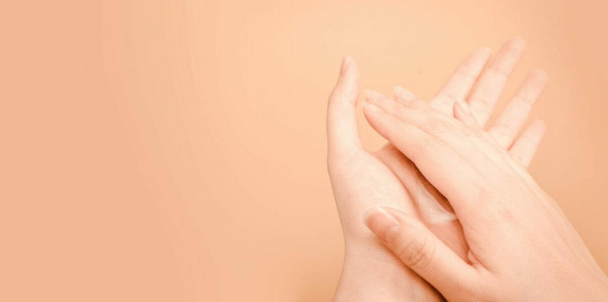 Jouw handen in de herfst